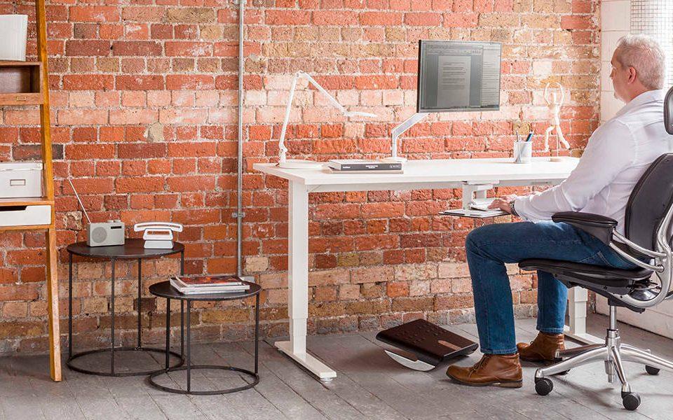 Home Office - porady dotyczące wygodnej i ergonomicznej pracy poza biurem